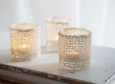 Knit your own DIY Christmas decoration for tealight candle holders