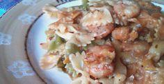 Farfalle o pasta de lacitos, con gambas maceradas en salsa de soja