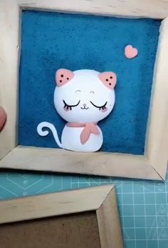 DIY Clay Kitty Photo Frame Kitten, a kind of cute and proud animal. Use clay to make a striking cat. Save it, try to do it, decoration your room! Diy Home Crafts, Diy Arts And Crafts, Creative Crafts, Crafts For Kids, Paper Crafts, Polymer Clay Crafts, Diy Clay, Handmade Jewelry Box, Clay Art