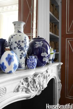 blue and white vases and ginger jars House Beautiful - Timeless Elegance Blue And White Vase, White Vases, Living Colors, Chinoiserie Chic, White Home Decor, White Rooms, Color Azul, White Porcelain, My Favorite Color