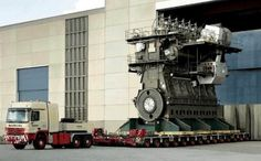This is the world's largest diesel engine, the Wärtsilä-Sulzer Measures 89 feet in width and weighs around tons. It is also the world's most powerful engine to run on diesel with Motor A Diesel, Motor A Gasolina, Soichiro Honda, Monster Trucks, Oil Tanker, Combustion Engine, Heavy Machinery, Industrial Machinery, Transporter