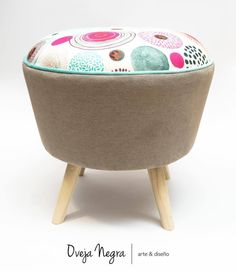 Bassinet, Pug, Furniture Design, Sewing, Home Decor, Upholstered Chairs, Stools, Couches, Home Furniture