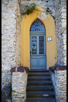 Old Door in Veszprém, Hungary ♥  #bluedivagal, bluedivadesigns.wordpress.com
