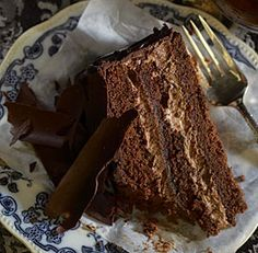 Cinnamon-Caramel-Ganache Layer Cake