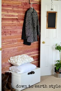 Down to Earth Style: Natural Cedar Wood Accent Wall