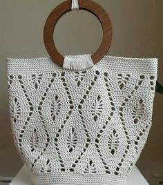 If you want something very personal, look at this beautiful crochet bag! Bag Crochet, Crochet Market Bag, Crochet Cable, Crochet Handbags, Crochet Purses, Crochet Clothes, Crochet Stitches, Crochet Hats, Bag Patterns
