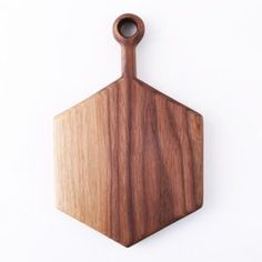 Wooden Serving Board by Anne Hodgson Olive Wood Cutting Board, Wooden Chopping Boards, Diy Cutting Board, Wooden Boards, Wood Interior Design, Wood Design, Wood Projects, Woodworking Projects, Kitchen Board