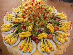 Wedding Fruits arrangement in Jeddah Saudi Primal Recipes, Healthy Recipes, Appetizers For Party, Creative Food, Fruits And Vegetables, Healthy Cooking, Healthy Food, Pasta Salad, Macaroni And Cheese