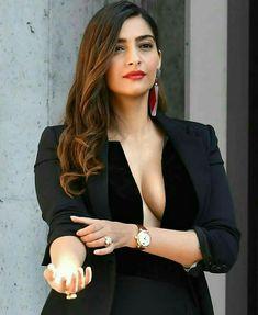 Hottie Actress Bollywood Make Happy - Girl Celebrities Indian Actress Photos, Indian Bollywood Actress, Beautiful Indian Actress, Indian Actresses, Hot Actresses, Beautiful Women, Indian Celebrities, Bollywood Celebrities, Girl Celebrities