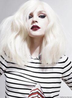 Make up my mood! platinum hairstyle