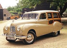 Austin A40 1952. ✏✏✏✏✏✏✏✏✏✏✏✏✏✏✏✏ IDEE CADEAU / CUTE GIFT IDEA  ☞ http://gabyfeeriefr.tumblr.com/archive ✏✏✏✏✏✏✏✏✏✏✏✏✏✏✏✏
