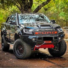 Look at this refreshing ford ranger - what an innovative style and design Ford Ranger Modified, Custom Ford Ranger, Ford Ranger Raptor, 2019 Ford Ranger, Cool Trucks, Big Trucks, Pickup Trucks, Lifted Trucks, Sport Truck