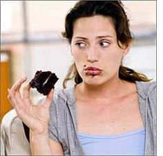 3 Consejos para vencer el HAMBRE EMOCIONAL  El hambre emocional se basa en patrones de conducta que tenemos asociados con comer, y que no t...