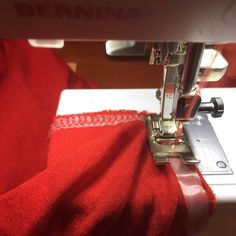 Tip for sewing stretchy, stable hems on knits - Jersey stitch