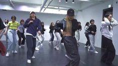 Hip Hop Dance Videos, Dance Moms Videos, Dance Music Videos, Dance Choreography Videos, Cool Dance Moves, Dance Tips, 1million Dance Studio, Surprise Dance, Good Vibe
