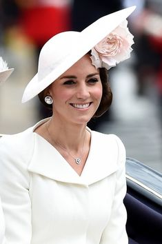 Kate Middleton Photos - Catherine, Duchess of Cambridge sits in a carriage during the Trooping the Colour, this year marking the Queen's 90th birthday at The Mall on June 11, 2016 in London, England. The ceremony is Queen Elizabeth II's annual birthday parade and dates back to the time of Charles II in the 17th Century when the Colours of a regiment were used as a rallying point in battle. - Trooping The Colour 2016