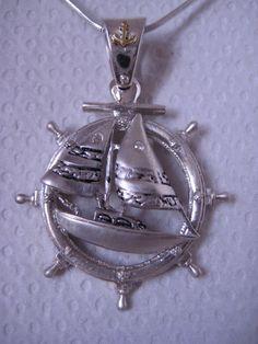 Mira este artículo en mi tienda de Etsy: https://www.etsy.com/listing/161255678/sail-ship-diamond-18k-solid-gold