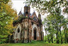 Chapel-tomb Ozheshko, Zakozel, Belarus
