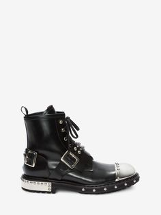 Shop Men's Hobnail Metal Toe Cap Boot from the official online store of iconic fashion designer Alexander McQueen. Alexander Mcqueen Boots, Calf Leather, Black Leather, Young Fashion, Black Boots, Casual Shoes, Man Shop, Mens Fashion, Toe