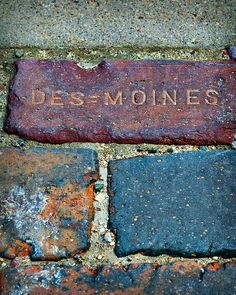 Des Moines Brick Co.....pretty sure i can find one of these on my patio