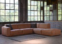 Hoekbank Elise Custom is een comfortabele lounge bank met een stoer uiterlijk. De hoekbank Elise is een plaatje voor iedere huiskamer.