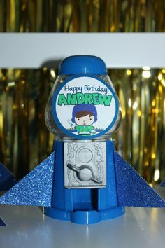 Buzz Lightyear 2nd Birthday ~ Featured Party | Seshalyn's Party Ideas | Gumball Mini-Dispenser Spaceships #buzzlightyear #party #favors