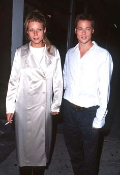 Gwyneth Paltrow and Brad Pitt at the premiere of Living in Oblivion Ali Michael, Jane Birkin, Gwyneth Paltrow, Brad Pitt, Fashion History, 90s Fashion, Parisian Girl, Ootd, Drew Barrymore