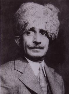 Khanji Mian Lal Mian Syed (1880-1942), popularly known as K.L.Syed, was a famous photographer, whose pioneering efforts in the field spurred the development of two other world class photographers from the town. Born in Palanpur in 1880, Syed studied in Gujarati medium upto Std IV, and later pursued his first love, photography