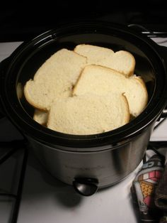 Make bulk French toast in the Crock-Pot for brunch. Make bulk French toast in the Crock-Pot for brunch. Get the full directions here. Crock Pot Recipes, Crock Pot Cooking, Slow Cooker Recipes, Cooking Recipes, Cooking Hacks, Crock Pots, Easy Recipes, Crockpot Ideas, Cooking Food