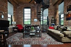 Historical penthouse loft at Mills. The Lofts at Mills Mill is a renovated historic textile mill built back in the late in Greenville South Carolina. Loft D'entrepôt, Loft Stil, Warehouse Living, Warehouse Loft, Loft Design, House Design, Style Loft, Appartement Design, Brick Loft