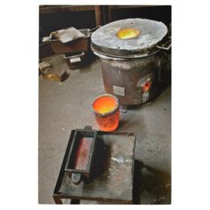 Shop Gold Smelting Metal Print created by SiliconValleyGifts. Diy Forge, Gold Mining Equipment, Metal Detector Reviews, Garrett Metal Detectors, Relic Hunter, Blacksmithing Knives, Panning For Gold, Gold Prospecting, Gold Tips