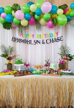 Hawaiian Party Decorations, Hawaiian Luau Party, Hawaiian Birthday, Luau Birthday, Flamingo Birthday, 2nd Birthday Parties, Birthday Party Decorations, Moana Themed Party, Luau Theme Party