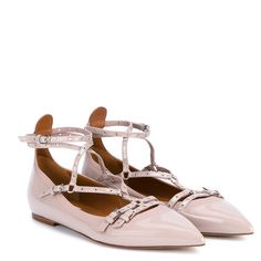 VALENTINO Lovelatch Patent Leather Ballet Flats (27,605 THB) ❤ liked on Polyvore featuring shoes, flats, pointed-toe ankle-strap flats, pointed toe ballet flats, valentino flats, patent ballet flats and ankle strap shoes