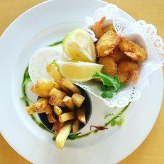 Prawn Tempura served with house tartare sauce & hand cut potato chips #newmenuitem