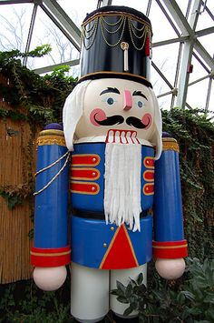 Giant Christmas Nutcrackers | The Milwaukee Ballet's The Nutcracker , my personal favorite holiday ...