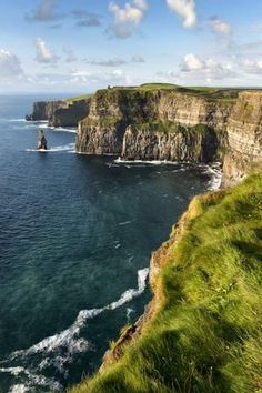 Stretched Canvas Print: Cliffs of Moher, County Clare, Ireland by Chris Hill : 24x16in