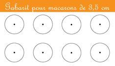I gabarit per macarons sono delle sagome disegnate con cerchi di varie misure per realizzare con facilità macarons rotondi e tutti uguali.