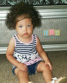 Beautiful Children, Beautiful Babies, Cute Kids, Cute Babies, Kids Around The World, Butterfly Baby, Sweet Pic, Baby Fever, Boys