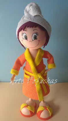 Sara tras el baño con albornoz y turbante