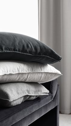 Create a luxury hotel style with our new home collection in sober colours and high-end fabrics. | H&M Home