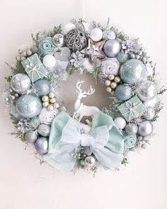 Chistmas Wreath Silver Light Mint Winter Decor Front Door Wreath Chistmad Decoration Luxury Winter Wreath New Year Gift Merry Christmas Hd Images, Merry Christmas Wallpaper, Gold Christmas Decorations, Christmas Candles, Holiday Decor, Silver Christmas, Christmas Crafts, Elegant Christmas, Christmas Ornaments