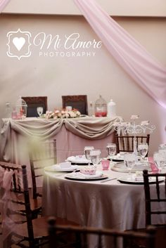 Soft pink and champagne tables.