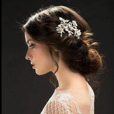 {Pretty Brooch Updo} #hairstyles #hair #longhair #updo #bride #bridalhairstyles #wedding #weddinghairstyles #beautiful #brooch #weddingstyle #weddinginspiration