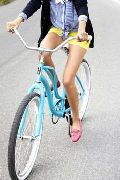 love the outfit, love the bike