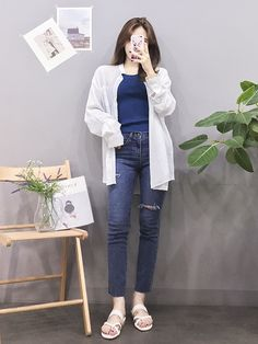 Korean Fashion Trends you can Steal – Designer Fashion Tips Korean Girl Fashion, Korean Fashion Trends, Korean Street Fashion, Ulzzang Fashion, Korea Fashion, Asian Fashion, Daily Fashion, Casual Fall Outfits, Trendy Outfits