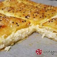 Τυρόπιτα με γιαούρτι Cheese Pies, Bread, Chicken, Desserts, Food, Kitchens, Deserts, Cheesecake Tarts, Cheese Cakes