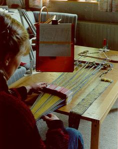 Weaving a reconstruction of the broad band from the celtic burial Hochdorf using 98 tablets.