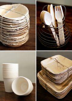 Piatti in foglia di palma, posate in bamby e bicchieri in polpa di cellulosa... tutto 100% biodegradabile e compostabile! ZERO IMPATTO AMBIENTALE!