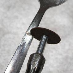 Jewelry Making Ideas How to use a dremel to create silverware jewelry - Fork Jewelry, Jewelry Tools, Metal Jewelry, Jewelry Crafts, Beaded Jewelry, Handmade Jewelry, Jewelry Box, Jewelry Cabinet, Amber Jewelry