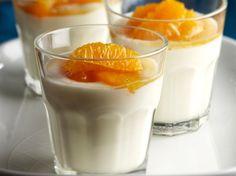 Jogurttipannacotta ja marinoidut appelsiinit | Kotiliesi